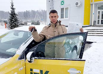 автомобиль Volkswagen POLO получил менеджер компании Минимакс Владислав Волк из Воронежа