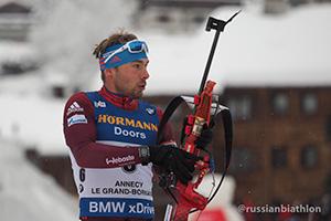 Антон Шипулин наконец-то на пьедестале победителей в гонке преследования с бронзовой медалью